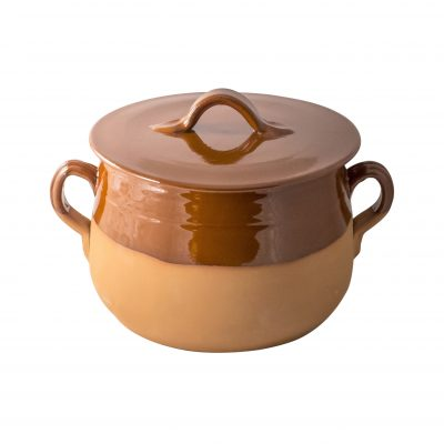 Tegame in terracotta con coperchio.