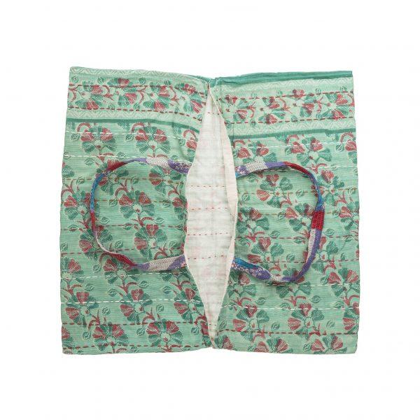 Portatorte in stoffa con ricami in filo di cotone